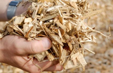 Hackgut und -schnitzel - Vollautomatische Holzheizung